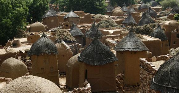Altany odosobnienia (ang. menstrual huts) u Dagonów